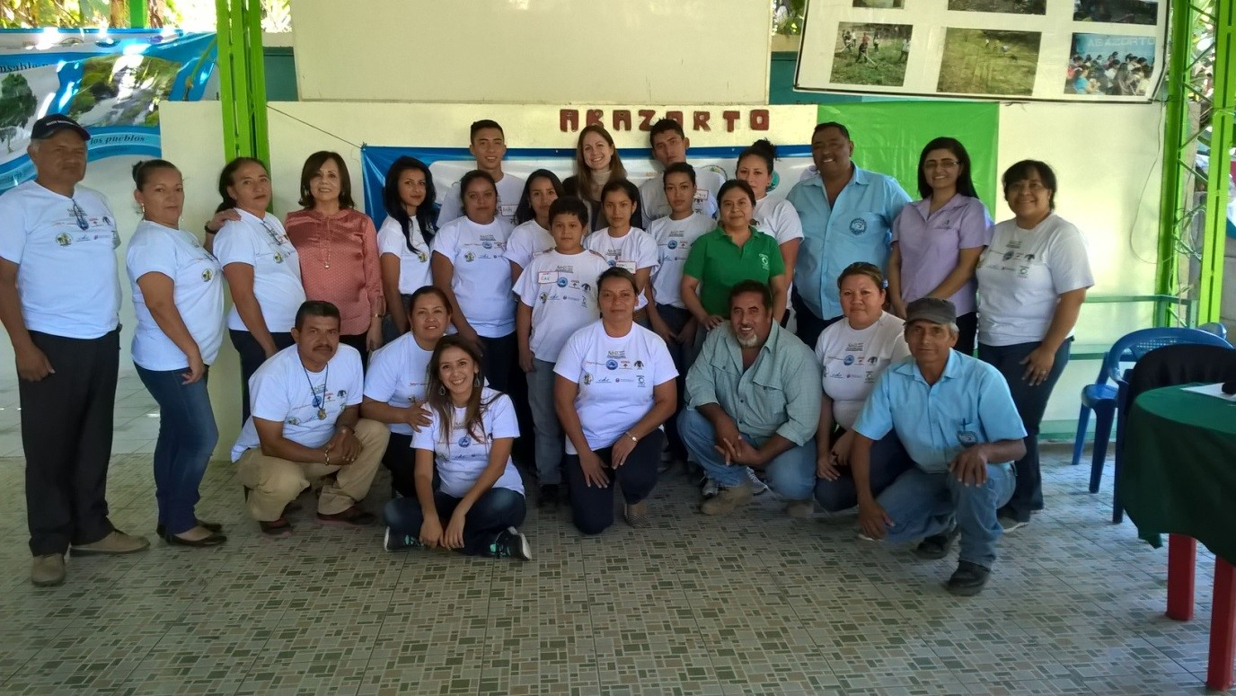 Meeting with youth of the Tonacatepeque area, ABAZORTE programme, member of NUTRES (SUN CSA in El Salvador), 19 February 2016 © CALMA for NUTRES